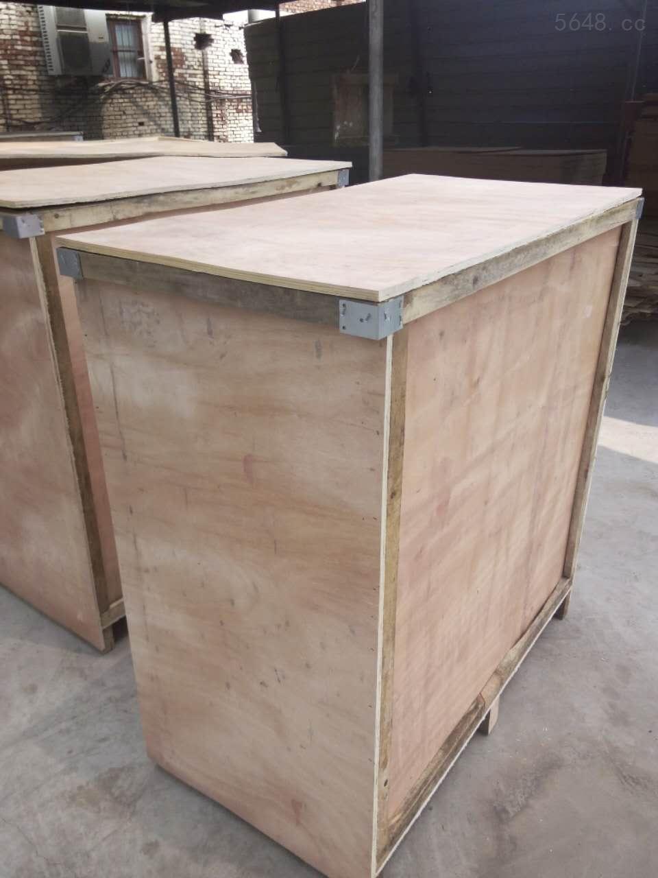 石家庄木质包装箱哪家好? 找石家庄最专业的木质包装箱生产厂家就选石家庄力巨仓储设备有限公司 木质包装箱在设计的时候有哪些特点以及要求 1.该产品在设计的时候需要注意的地方有很多,不管是围板箱或者是容量的设计,都要根据客户的实际情况来进行设计。 2.为了降低成本,提高产品的使用率,我们可以使用一些经过裁板的下料,这样也可以做到回收利用了。 3.